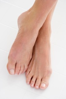 Post image for How To Do a Pedicure on Yourself